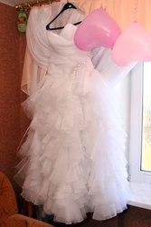Красивое, молодежное, новое свадебное платье